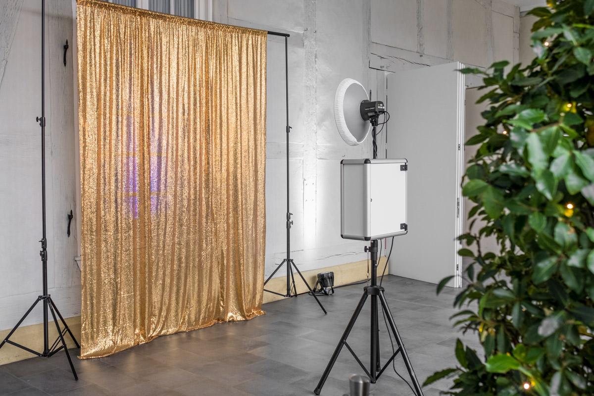 Fotobox Fete Standard Hintergrund In Rot Gold Pink Weiss